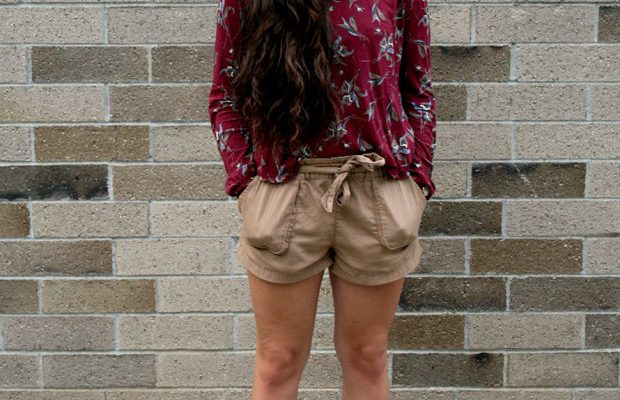 Looks on Campus: Brianna – Assumption College