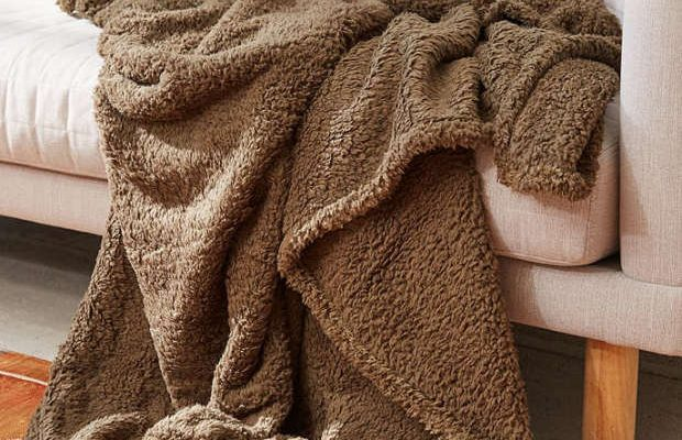 7 Ways to Make Your Room Cozy for Fall