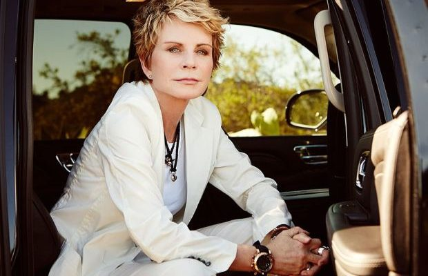Author-Inspired Fashion: Patricia Cornwell