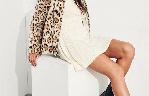 The Perfect Piece for When You Want to Look Chic Yet Stay Cozy This Holiday Season
