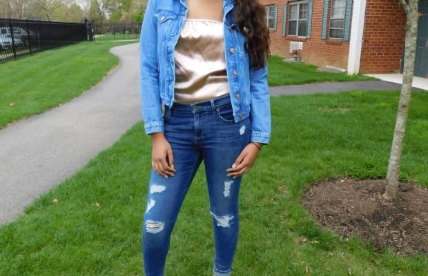 Looks on Campus: Nicole – Jefferson University